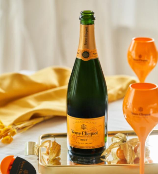 Champagner Veuve Clicquot mit 1 Glas